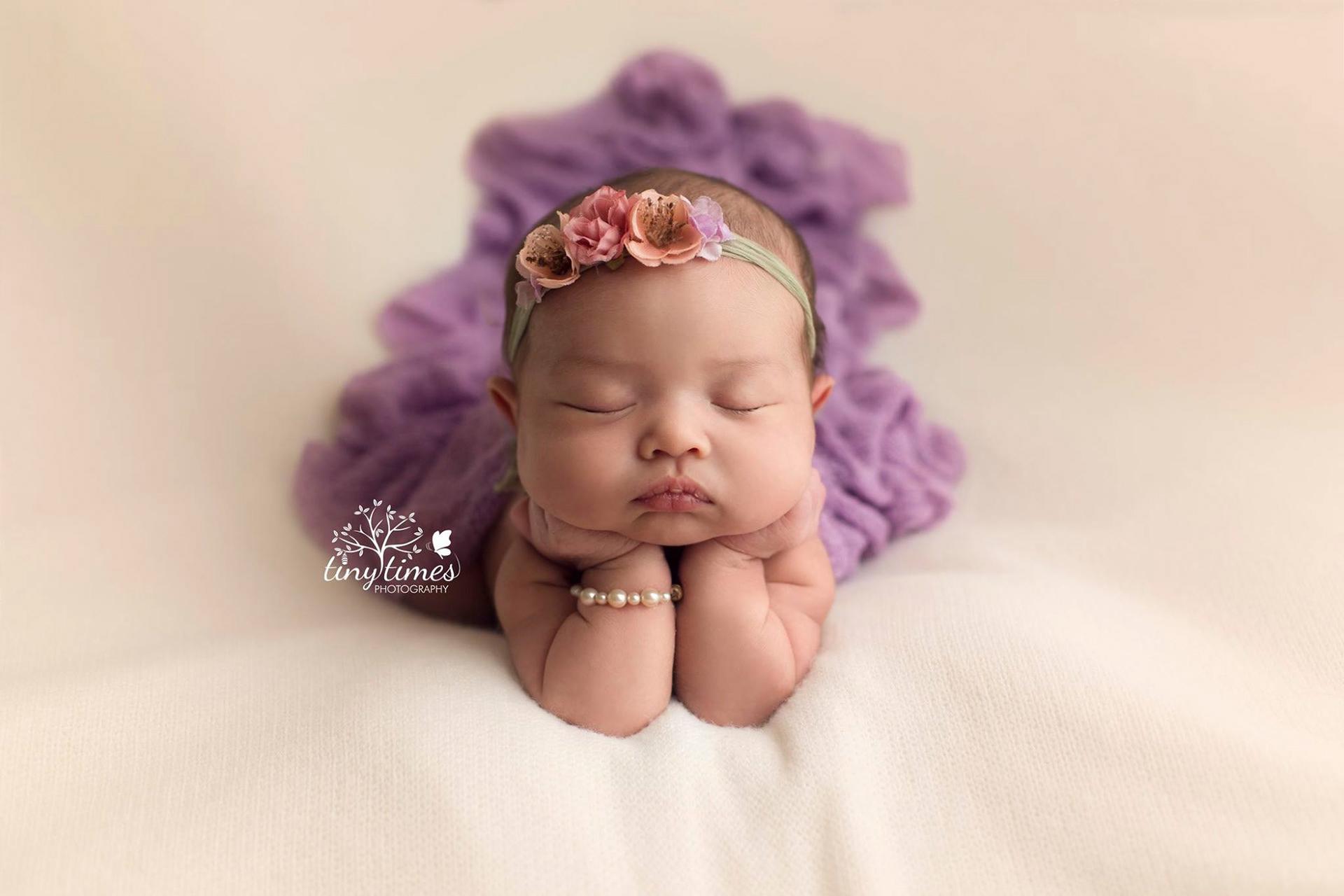 Newborn photography dslr camera