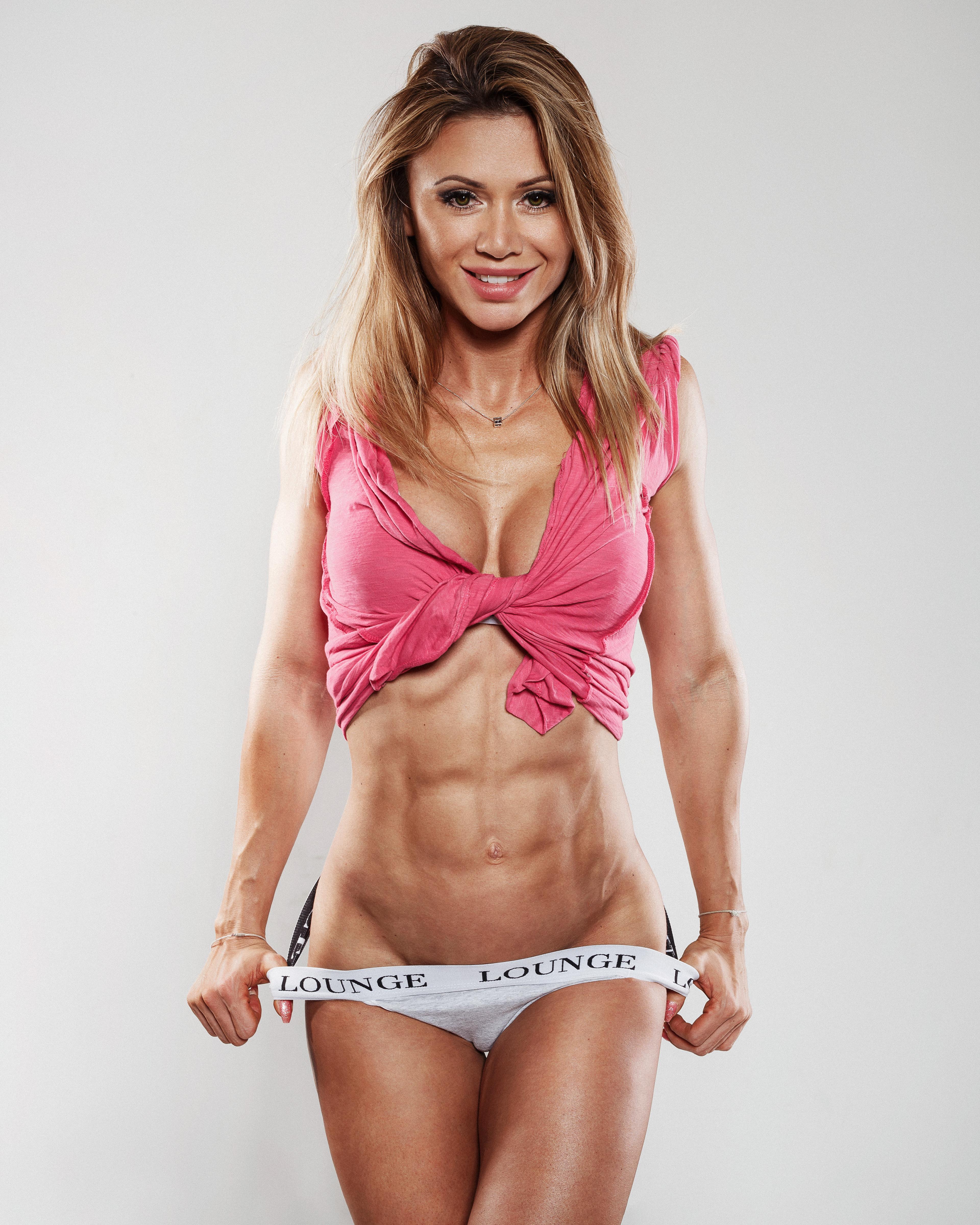 Skinny fitness model nde, gorgous blonde girls naked