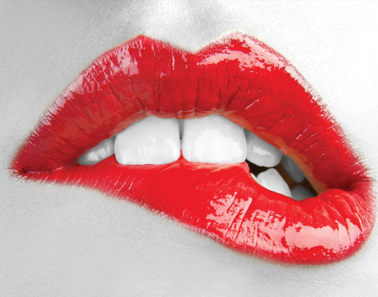 Днем рождения, открытки женских губ