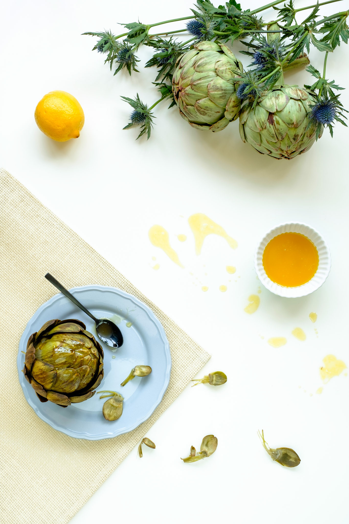 Artichokes with lemon butter