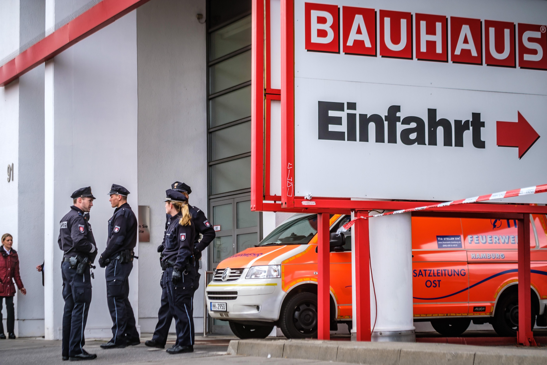 Michael arning 2017 12 08 feuerwehr warnt vor kerzen am - Bauhaus weihnachtsbaum ...